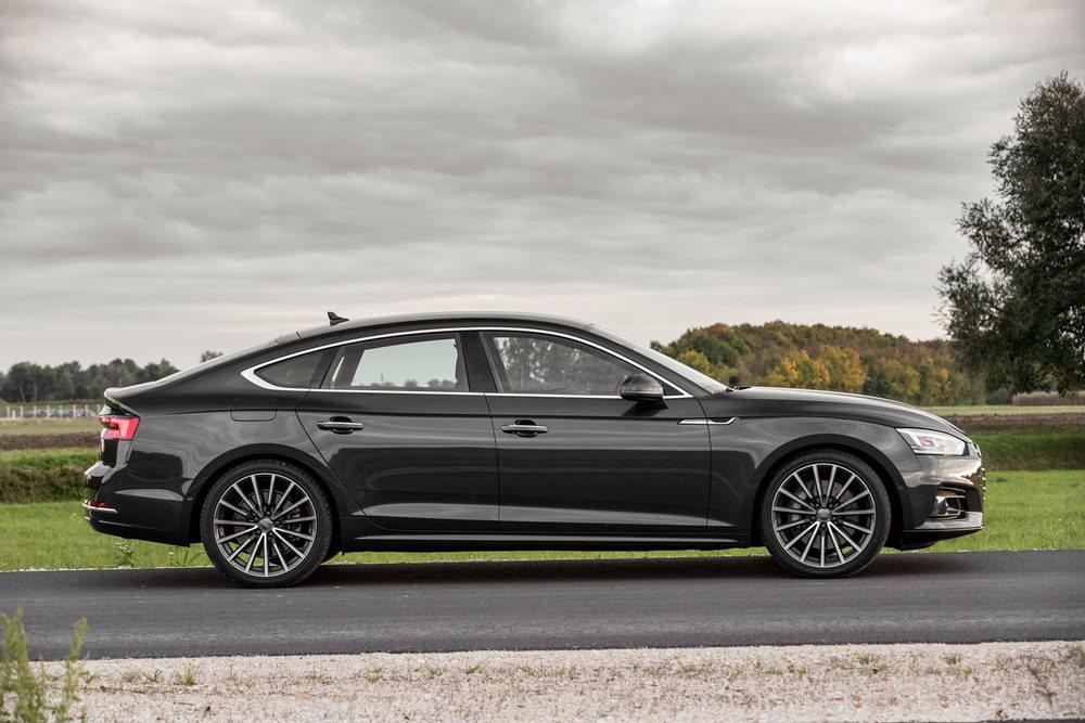 Silueta inconfundiblemente coupé pero versatilidad de berlina. El Audi A5 Sportback es lo mejor de dos mundos.