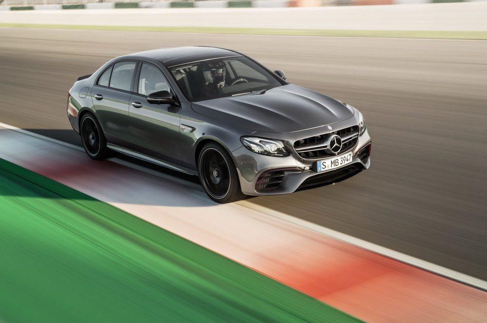 El modo drift desactiva la entrega de potencia en el eje delantero, entregando toda la potencia al eje trasero hasta que el conductor desactive el modo Drift con tan solo apretar un botón