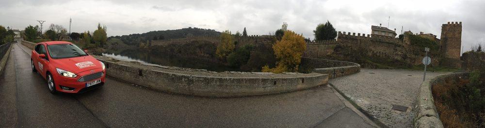 En Buitrago de Lozoya disfrutamos de unas vistas espectaculares de sus murallas junto al río