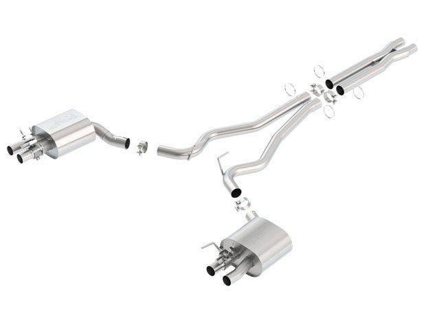El nuevo sistema de escape fabricado por Borla para los Shelby Mustang GT350 está realizado en acero inoxidable y sus cuatro terminales se adaptan para coincidir con los embellecedores originales. Máximo sonido y máxima disreción.