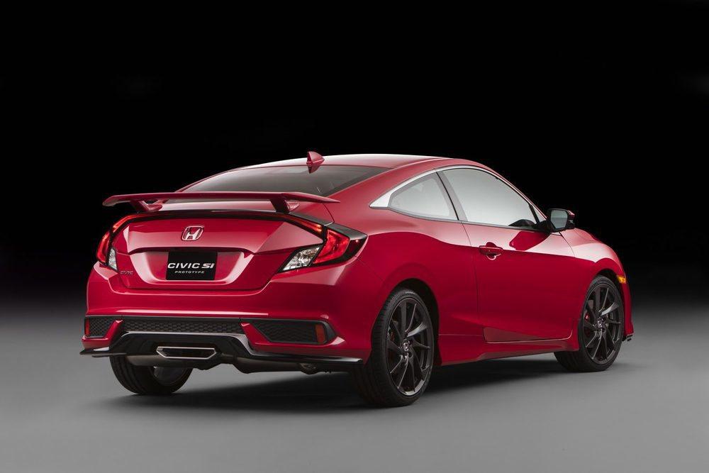 Aunque Honda habla de prototipo, este Civic Si estará muy próximo a la realidad y llegará a EE.UU. el año que viene con carrocería Coupé y Sedán. Esconde el moderno 1.5 i-VTEC Turbo, pero su potencia podría rondar los 220 CV y contar con una puesta a punto semejante a la del Type R.