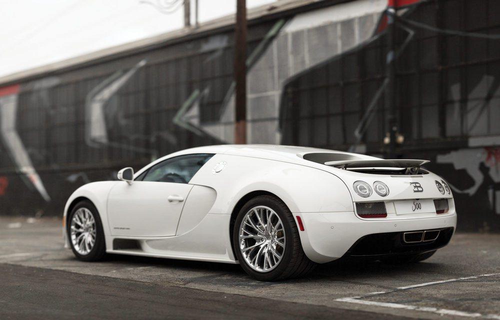 De los 450 Bugatti Veyron fabricados, los primeros 300 contaban con carrocería coupé y este es precisamente el que cierra esa cifra mágica. Está en estado de colección y buscará un nuevo hogar el mes que viene en Arizona.