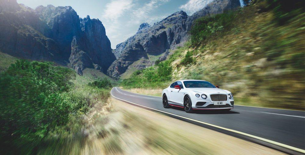Bentley lanza esta edición especial Black Edition para sus Continental GT y GTC V8 S. Su exterior no tiene porqué ser de color negro, pues la firma británica te lo ofrece en el tono que tu quieras, aunque si que hay detalles en el exterior e interior en color negro.