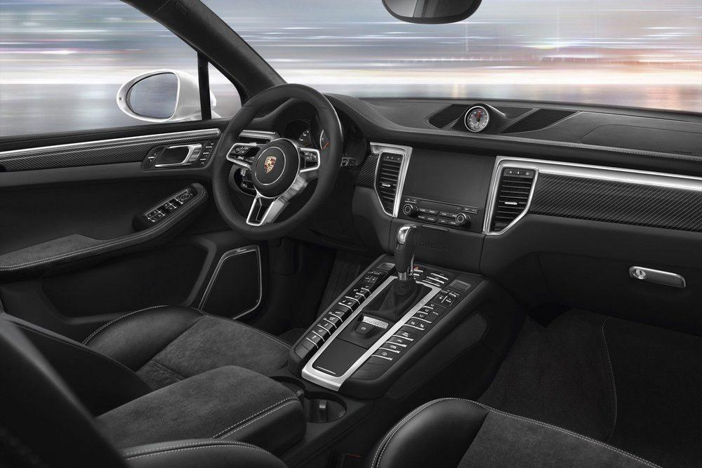 Estéticamente los Porsche Macan con su motor de cuatro cilindros contará con detalles exteriores en color negro, llantas de 18 pulgadas, escapes trapezoidales... Ahora bien, sorprenderá con sus prestaciones y con un interior muy cuidado