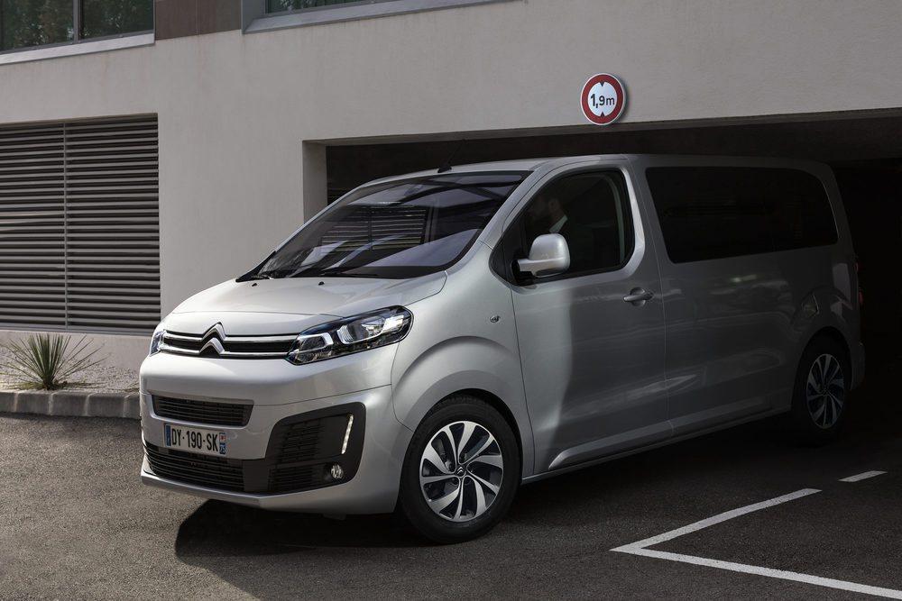 El nuevo SpaceTourer es capaz de entrar en los parking de hasta 1,90m sin ningún tipo de problema