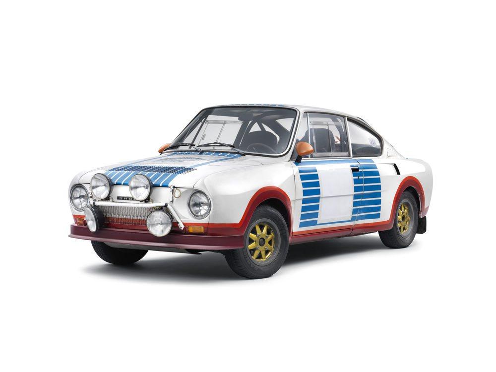 Skoda ha querido llamar la atención decorando su Fabia R5 con los mismos colores que tenía el Skoda 130 RS que se imponía hace 40 años en el mítico Rally de Montecarlo