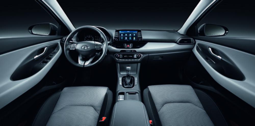 En el interior, una elevada calidad de materiales y una ergonomía muy estudiada.