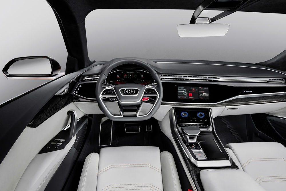 Teniendo en cuenta su diseño exterior e interior, este Q8 Sport Concept podría entrar en producción mañana mismo. Pero habrá que esperar a 2018, cuando llegue acompañando a su