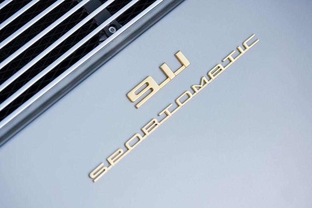 La opción de este cambio Sportomatic costaba por aquellos entonces unos 2.200 euros y no se hizo muy popular. En 1968, de los 12.000 911 fabricados, sólo 1.000 tenían esta transmisión manual pilotada con cuatro velocidades.