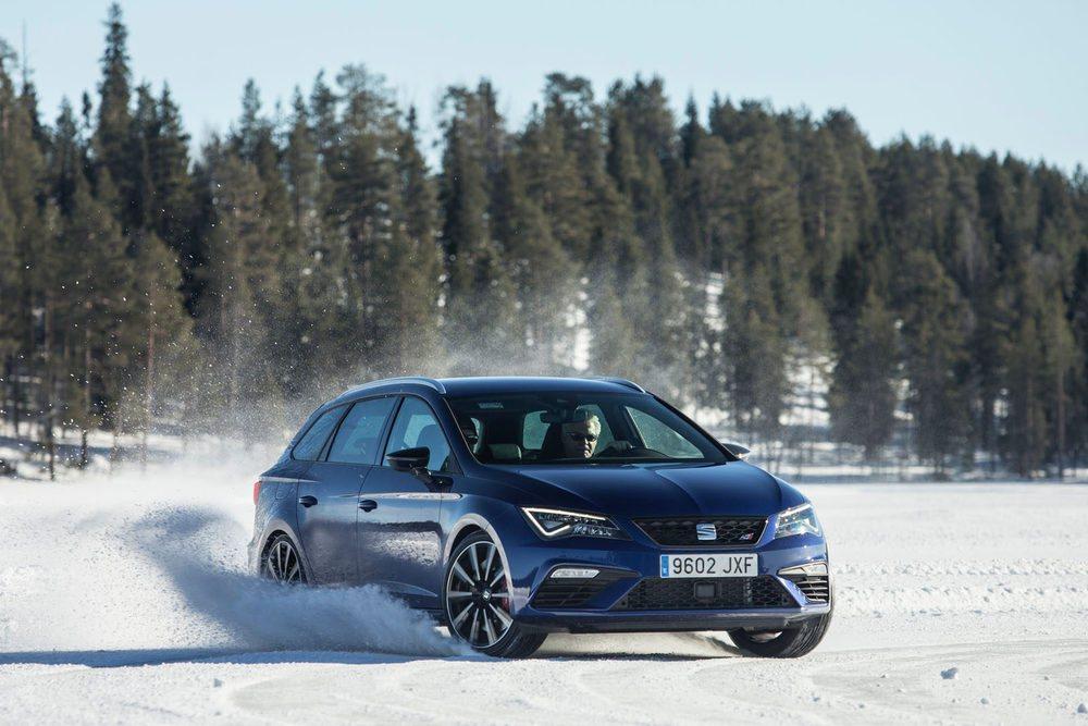 Primero como copiloto, y después al volante, Juhan Kankkunen dejó constancia de su sabiduría al volante.
