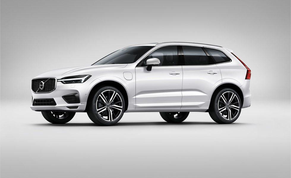Volvo ofrece su nuevo XC60 con cinco mecánicas y con tres niveles de equipamiento. El más deportivo es este R-Design y también destaca su versión T8 Twin Engine, que está disponible desde 72.320 euros.