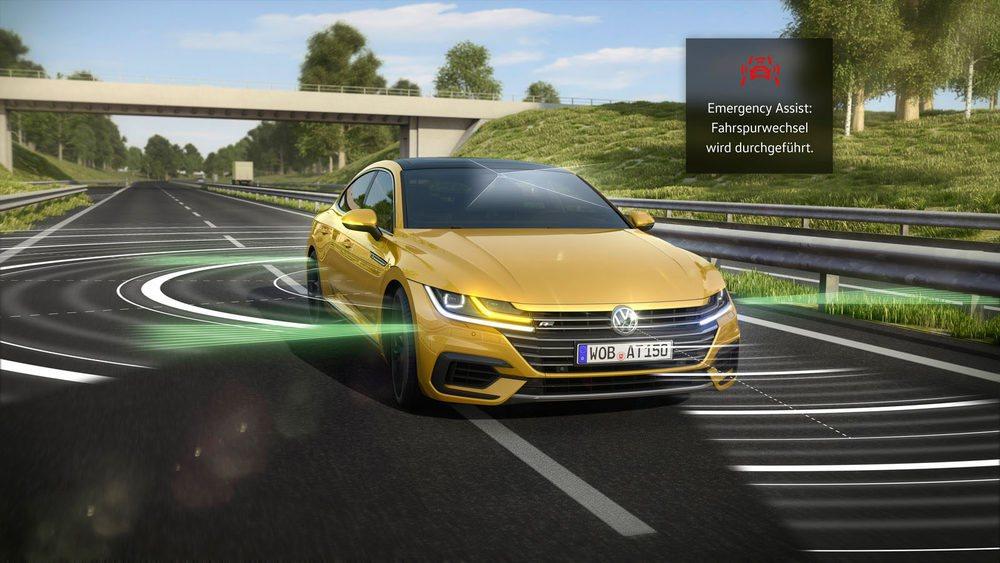 Entre los sistemas de seguridad el Emergency Assist 2.0, que alerta si el conductor pierde atención y es capaz de detener su coche en el carril de la derecha.