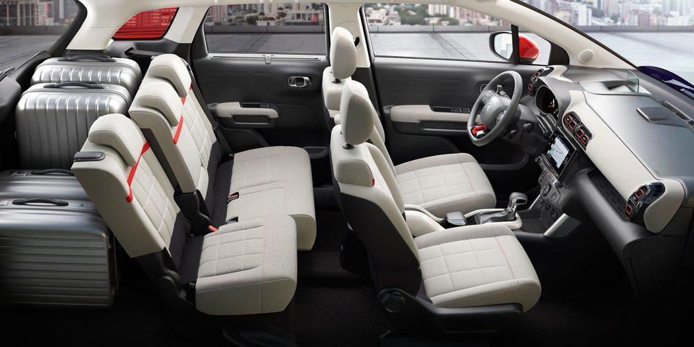 La posibilidad de desplazar hacia adelante los asientos traseros, permite modular a gusto de cada cual el espacio interior del C3 Aircross.
