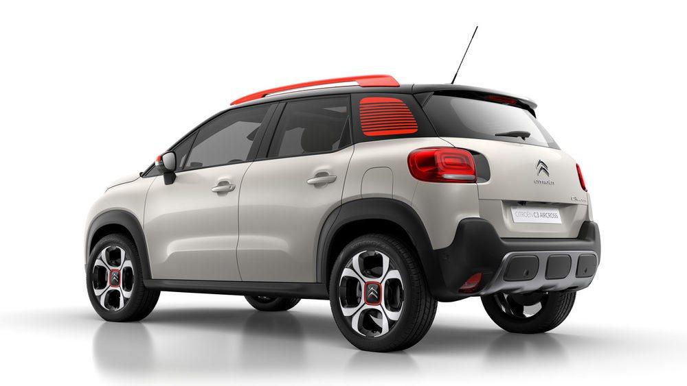 El estilo exterior recuerda claramente a los últimos diseños de Citroën; aunque se echan de menos los ya clásicos Airbump.
