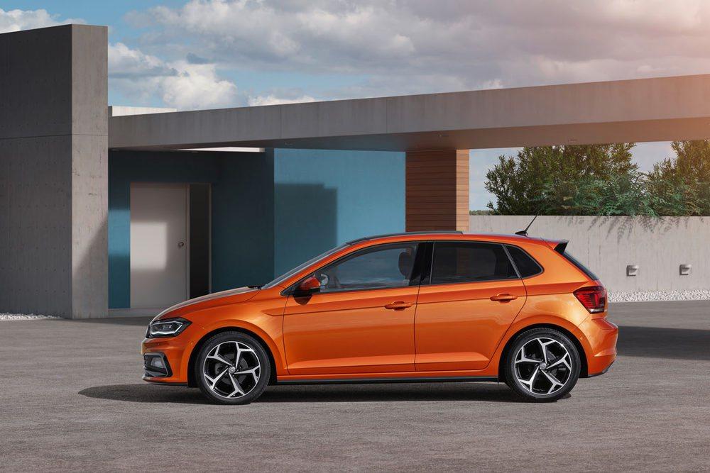 Utiliza la misma plataforma MQB A0 que estrenó el Seat Ibiza y su tamaño crece respecto al Volkswagen Polo actual.