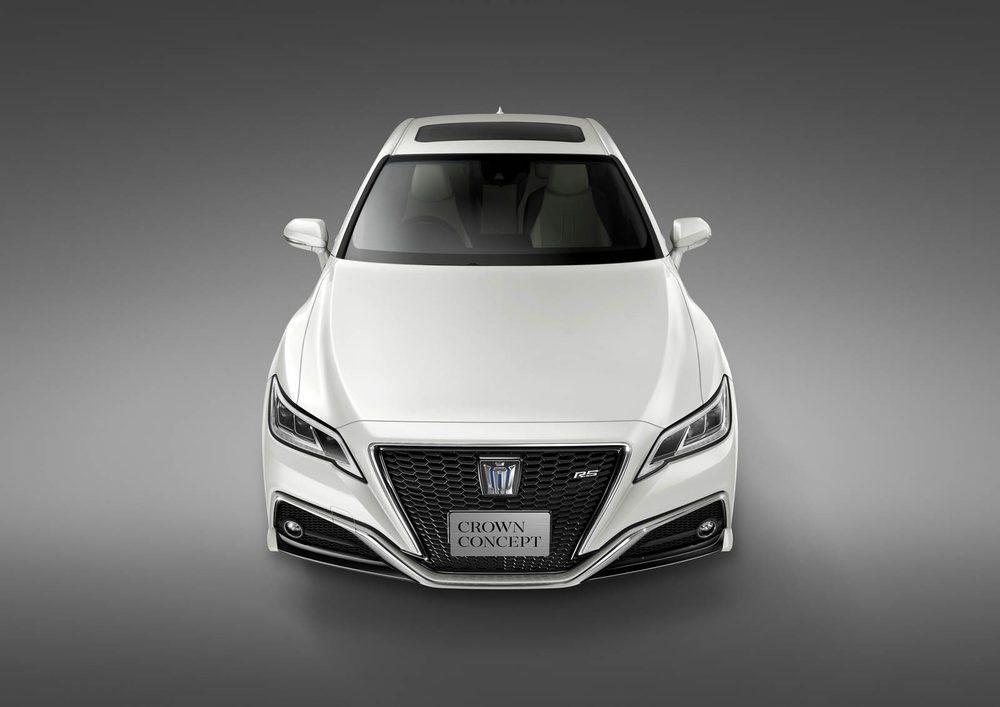 En Tokio veremos este nuevo Toyota Crown, que será presentado como prototipo. Ahora bien, su diseño exterior está a un paso de la realidad. No llegará a Europa, pero si lo hará como el futuro Lexus GS.