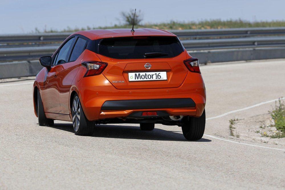 Su nueva plataforma, compartida con el Clio, le otorga buena dinámica y le permite equipar nuevos sistemas de ayuda a la conducción. El motor 1.5 dCi le brinda buenas prestaciones y bajos consumos, pero una sexta velocidad sería ideal.
