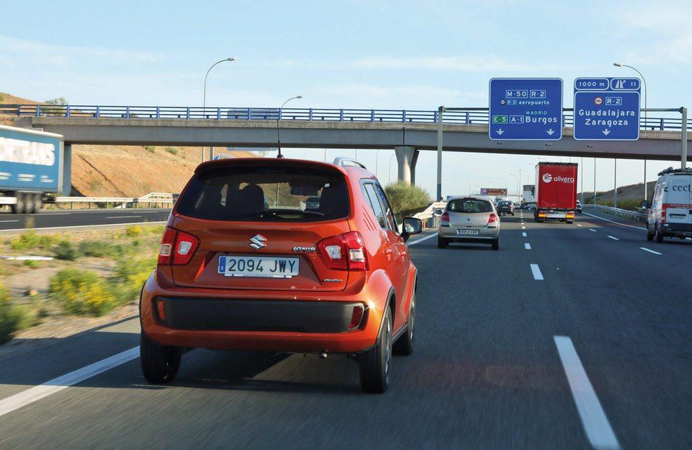 En la autovía de Burgos, a 120 km/h, un rodar tranquilo.