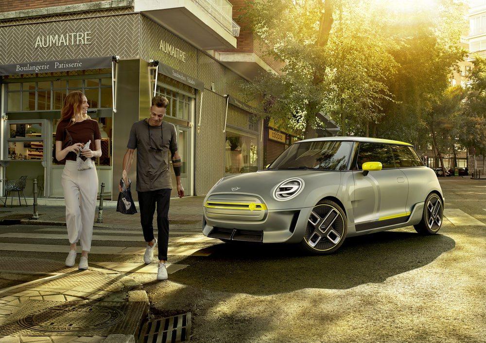 La firma británica quiere poner a la venta en un futuro próximo una variante cien por cien eléctrica con la que conquistar las ciudades, esta es su imagen