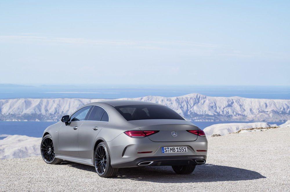 De esta tercera generación del Mercedes CLS no habrá versión Shooting Brake. Acariciará los cinco metros de largo y presenta una silueta que combina elegancia y deportividad. Llega en marzo.