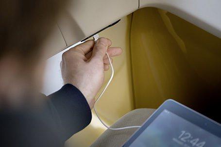 Los usuarios de este servicio podrán utilizar tomas USB para cargar sus dispositivos en los trayectos