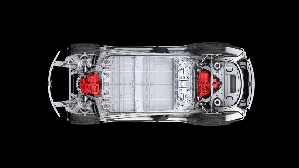 En primavera llegan los Tesla Model 3 con dos motores. Por ahora no se conoce su potencia, ni sus prestaciones, pero gracias a ello tendrá tracción a las cuatro ruedas.