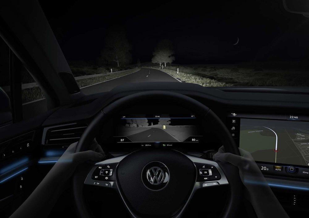 El sistema de visión nocturna es novedad en el Touareg y también en la gama Volkswagen, pues es el primer modelo que lo va a utilizar.