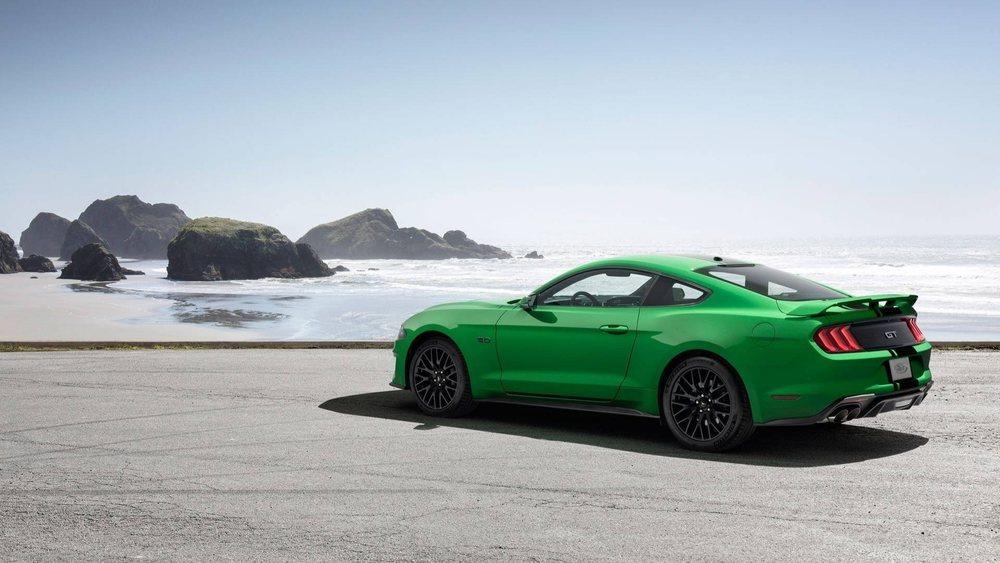 Sin contar los colores creados por Ford para las ediciones especiales del Mustang, para este Pony Car hay 11 tonalidades diferentes para elegir y ahora se sumará este llamativo Need for Green.