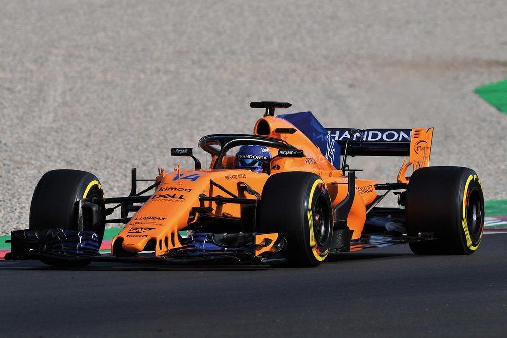 El McLaren McL33 demostró problemas de fiablidad en Montmeló... pero en la última sesión los tiempos empezaron a aparecer. Y Alonso se muestra optimista.