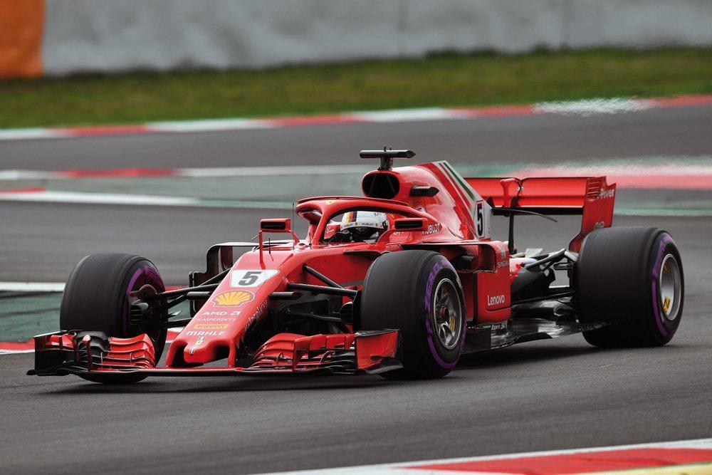 Ferrari parte, a priori, como gran rival de Mercedes, -con permiso de Red Bull-. La escudería italiana ha creado un coche muy agresivo con el objetivo, sobre todo, de mejorar en pistas rápidas.