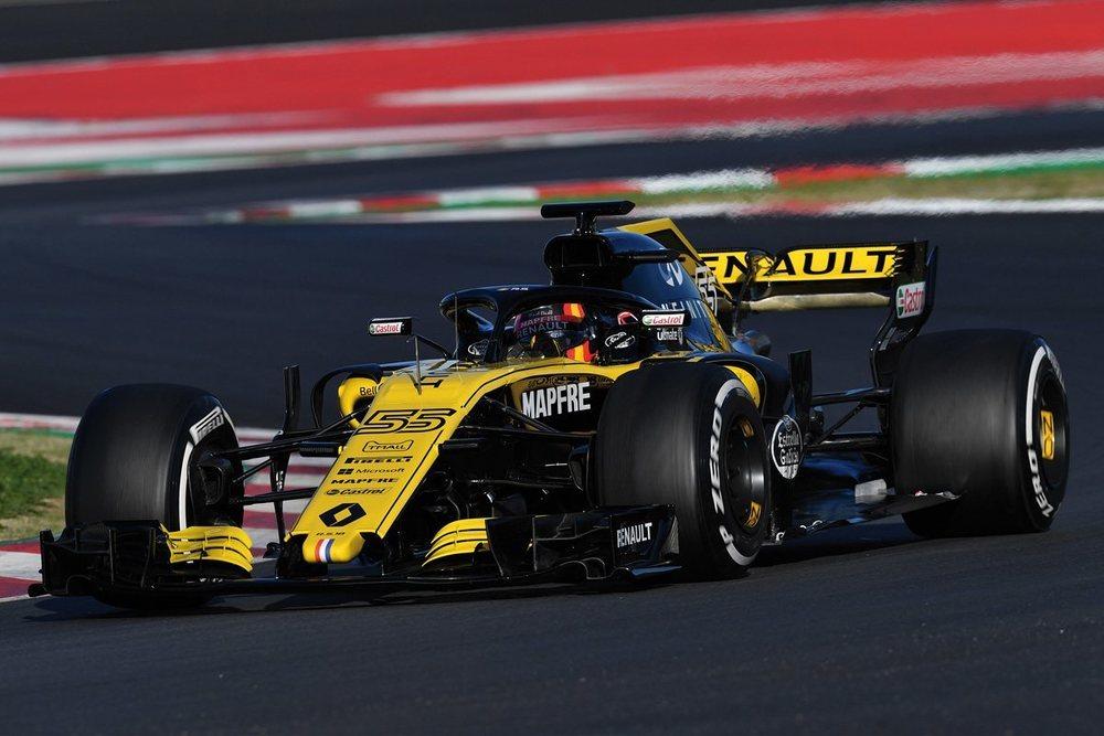 Renaul es uno de los pocos equipos que desarrollan chasis y motor; gracias a una nueva estructura técnica, en los enternamientos de Montmeló se ha demostrado un gran avance. Sainz se mostró satisfecho con el rendimiento del coche.