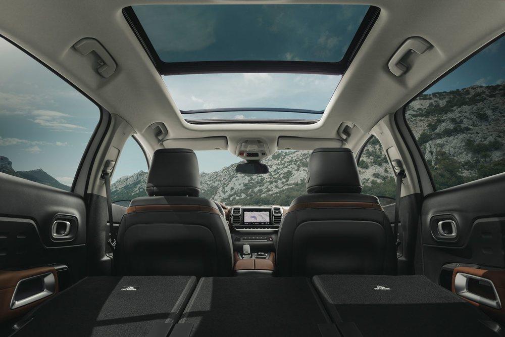 Gran habitabilidad interior y una luminosidad tremenda gracias al techo solar de que dispone el nuevo SUV de Citroën.