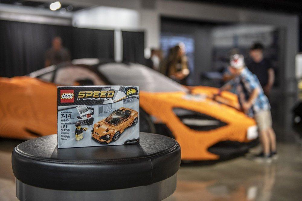 Para celebrar la llegada de la versión McLaren de LEGO Speed Champions, la firma de bloques de construcción más famosa del mundo ha mostrado este 720S Coupé compuesto por más de 280.000 piezas.