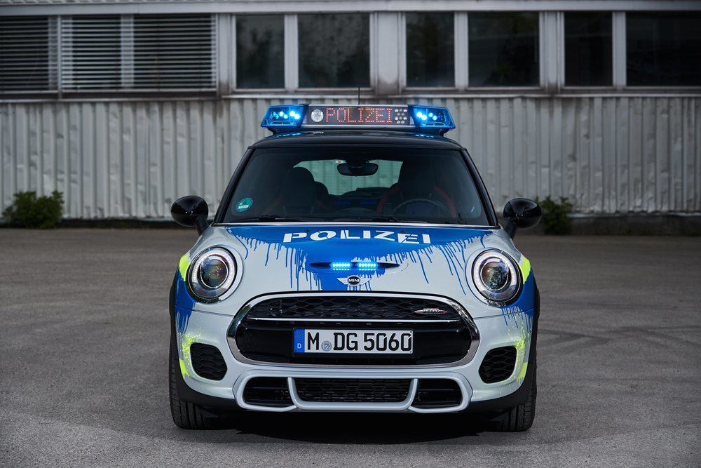 Toma la base del <strong>Mini John Cooper Works</strong>