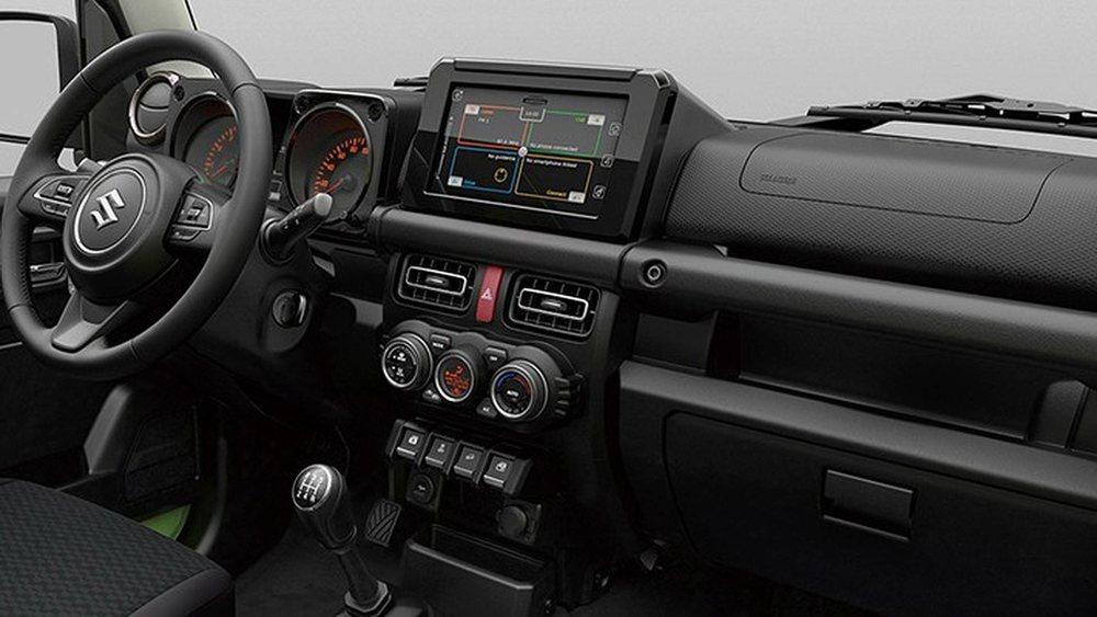 Su interior mantendrá las cuatro plazas y presumirá de un aspecto mucho más moderno y actual gracias a detalles como la pantalla central táctil ya utilizada por otros modelos de la firma nipona.