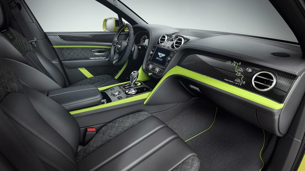 El exclusivo Bentley Bentayga se ha convertido en el SUV más rápido en la subida a Pikes Peak y para celebrarlo han creado esta edición especial. Sólo crearán 10 unidades y su interior combina el cuero Beluga con acentos Key Lime y molduras de fibra de carbono.