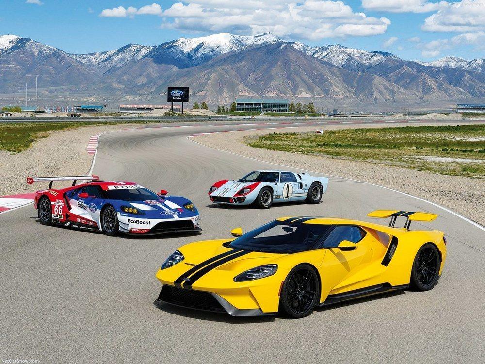 Ford Performance ha creado diferentes decoraciones para el nuevo GT que recuerdan a las unidades utilizadas en competición antaño.
